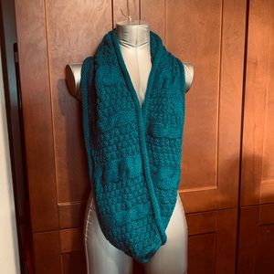 Teal infinity winter scarf